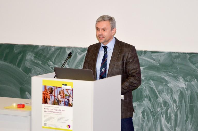 Prof. Siniatchkin